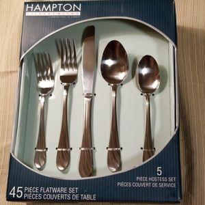 Hampton silversmiths 45 PC flatware NWT